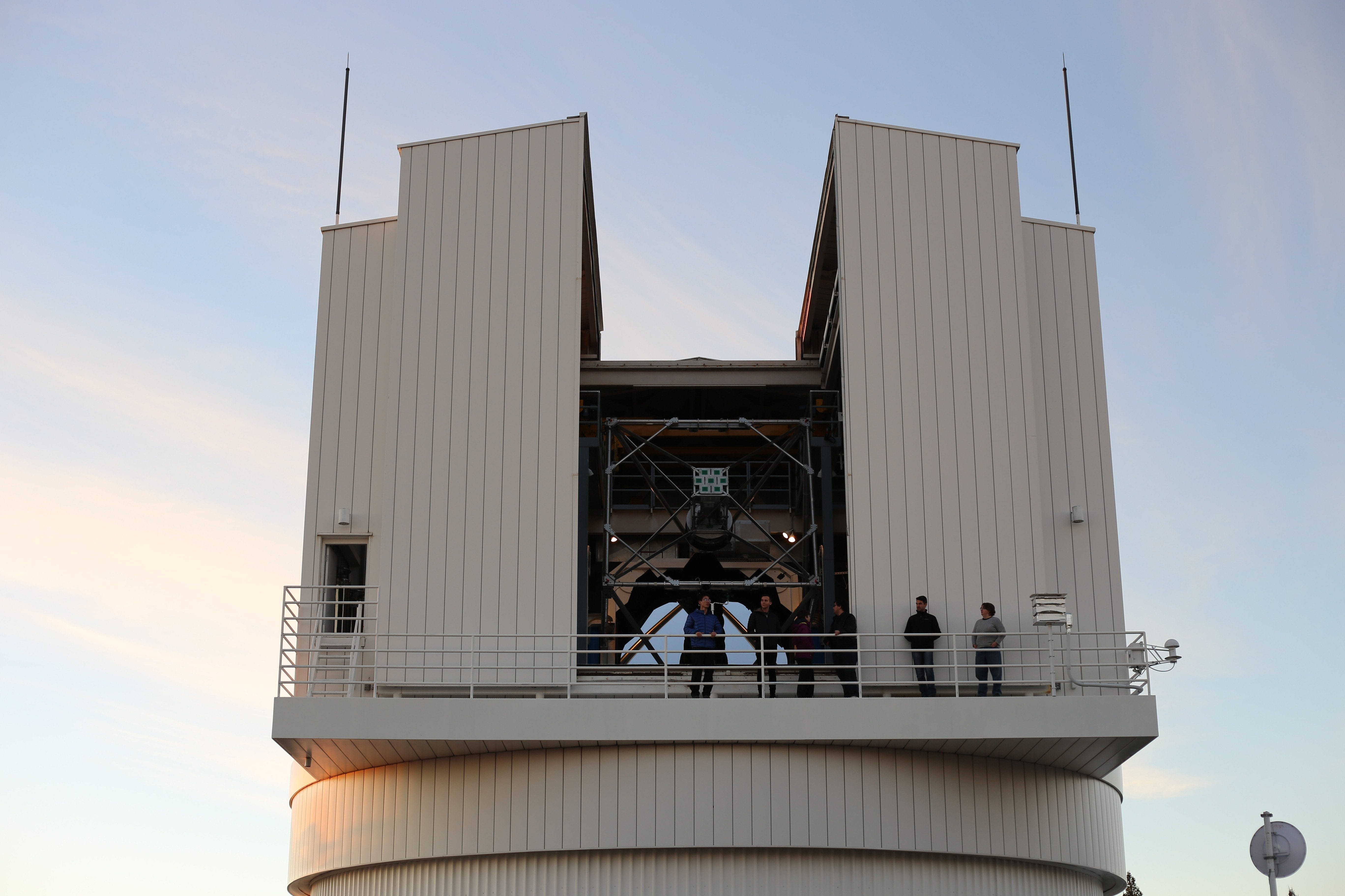 Observational Astronomy Students Operate 3.5-meter Telescope at Apache Point Observatory